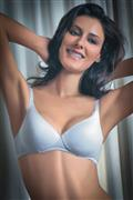 Enamor lightly padded moulded bra